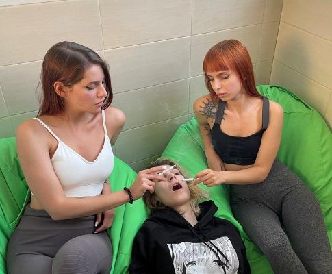 Amateur Lezdom Human Ashtray Humiliatrix and Smoking Fetish