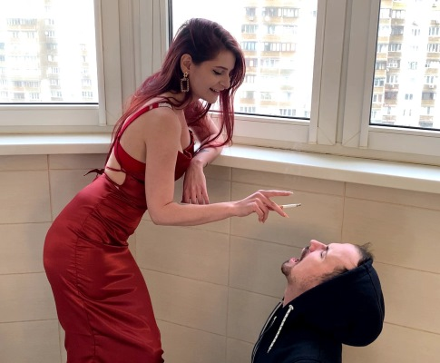 Elegant Goddess Sofi in Red Dress Smokes Using Human Ashtray Slave Mouth