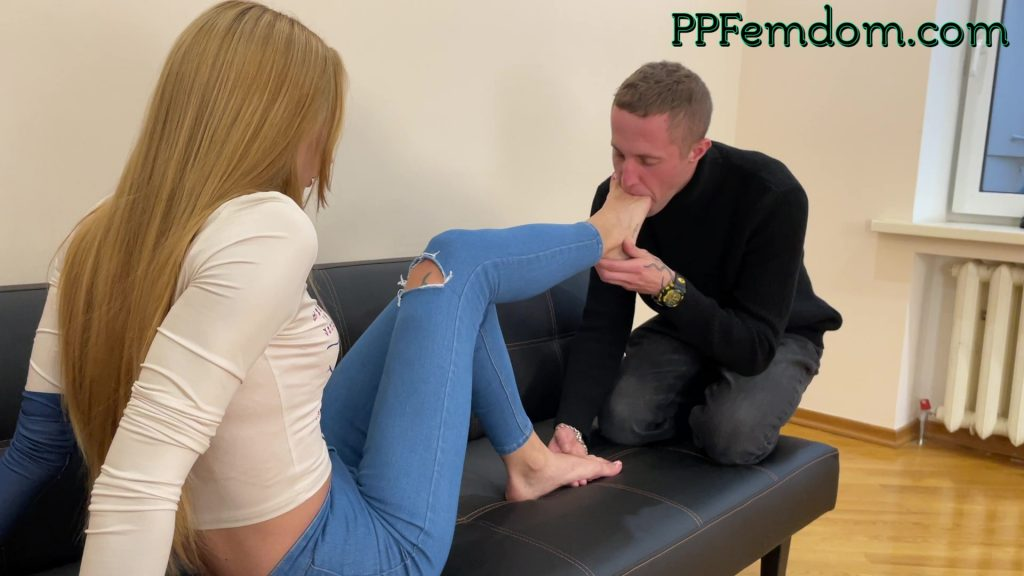 BLonde Mistress Order Slave Sucks Her Toes - Foot Domination Femdom