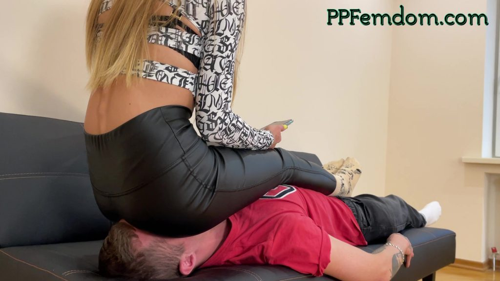 Real Fullweight Facesitting In Leather Leggings Humiliation